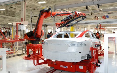 Integration of KUKA robots for Tesla in California