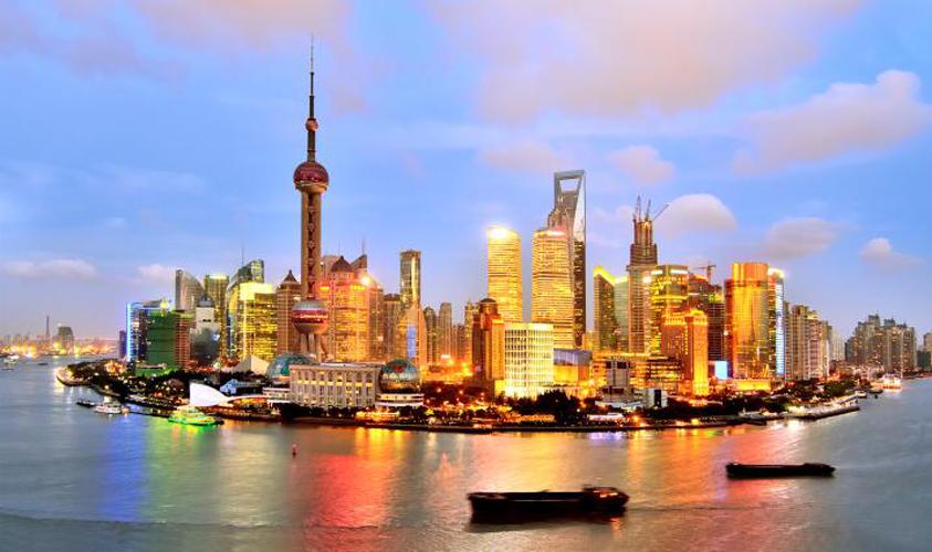 Integracion y programacion de robots KUKA en Shanghái