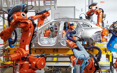 Programming ABB robots for Jaguar Land Rover in Nitra