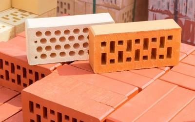 Integración y programación de robots FANUC para la industria de la cerámica