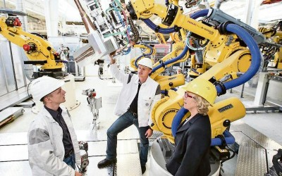 Programación de robots FANUC para Volkswagen en Alemania